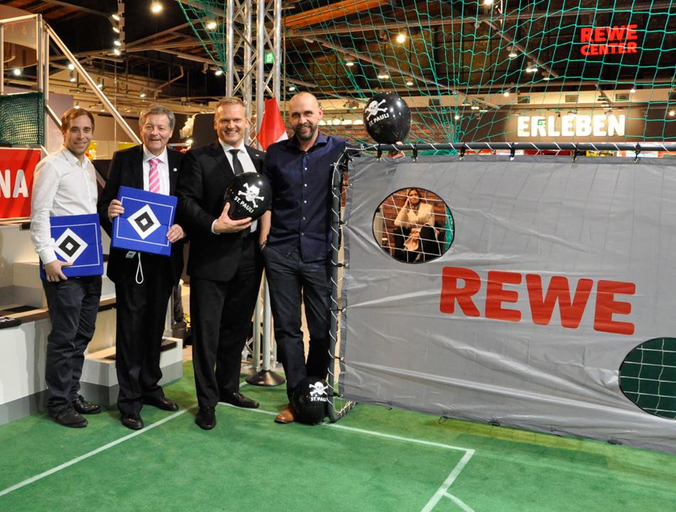 Eröffnung REWE Markt von Hoger Stanislawski und Alexander Laas